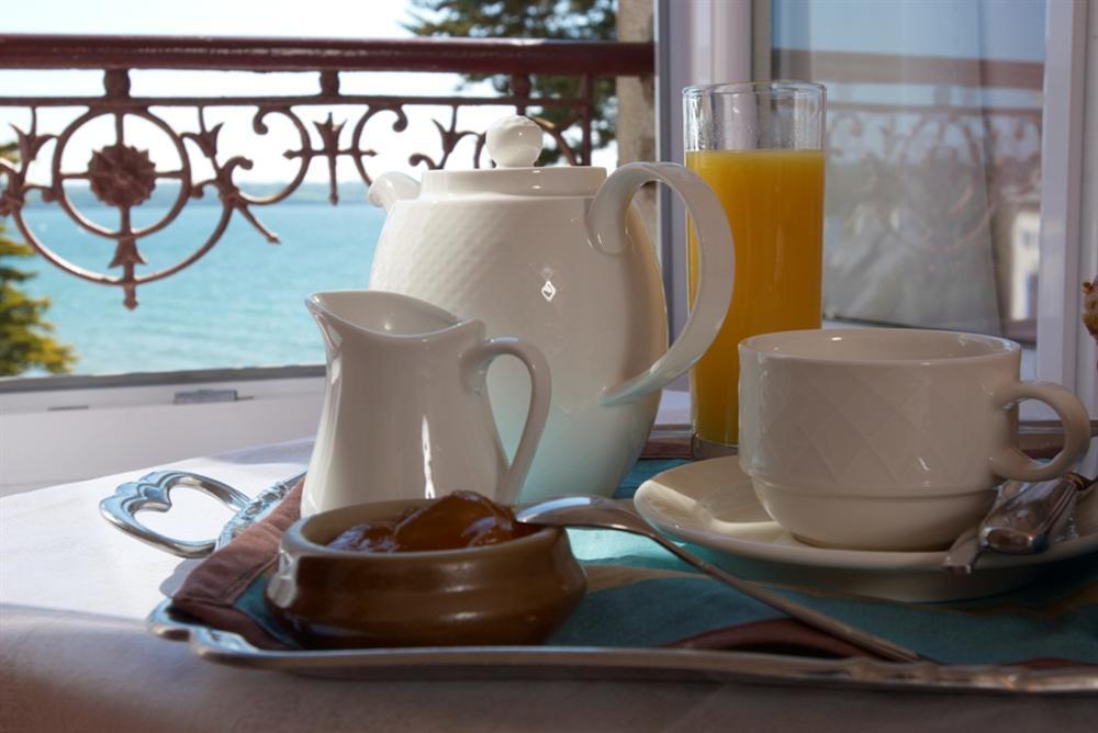 ... Breakfast - Hotel Belle-Vue Fouesnant ... & Opening - Hôtel Restaurant Belle Vue à Fouesnant dans le finistère ...
